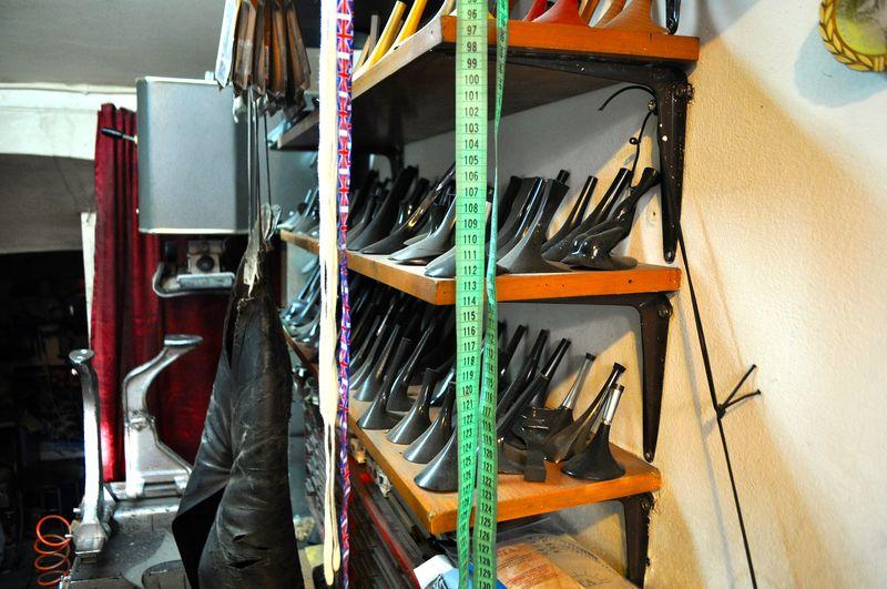 Петербуржцы, застрявшие во времени. Ремонт обуви | Блог Дом, в который хочется приходить